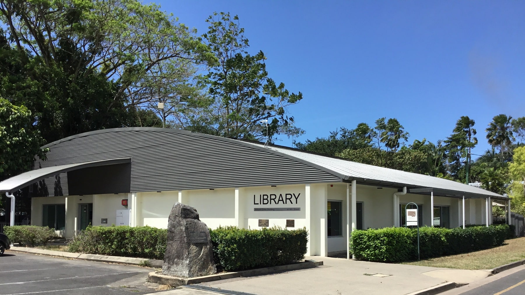 Mossman Library outside view
