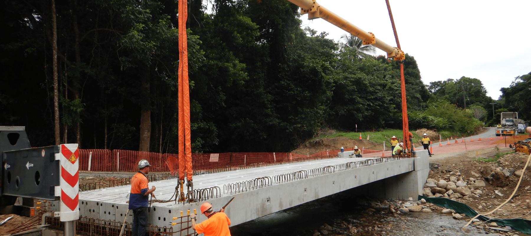 Whyanbeel Causeway - Installing Bridge