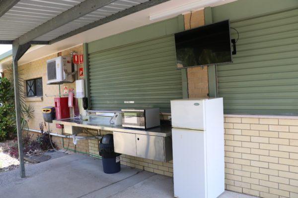 Mossman Caravan Park - Kitchen