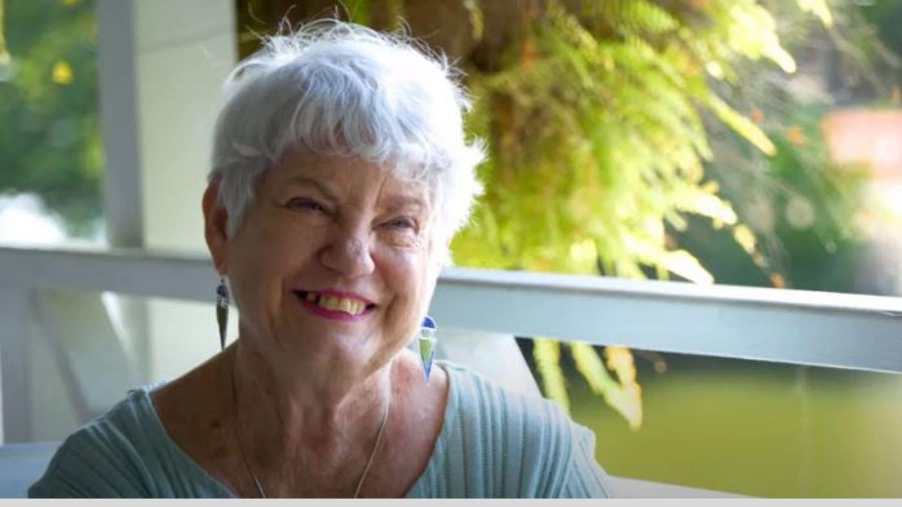 G'day Port Douglas Daintree- Vivienne True GIver